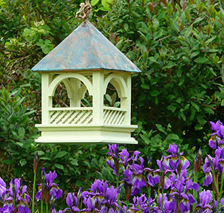 Bempton Gothic Hanging Bird Table