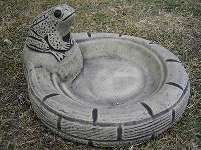 Frog Ground Bird Bath